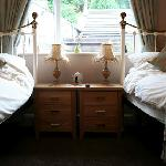 """Old Peculer"" Twin Room with En-Suite Shower"