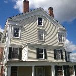 The Peach Grove Inn - Side View