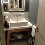 Room 6, Bath room