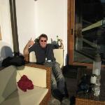 Uitrusten in het zonnetje na de heenreis