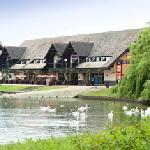 Photo de Premier Inn Milton Keynes East (Willen Lake) Hotel