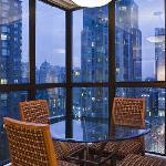 Hotel In Vancouver - Dining Room in each suite