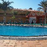 la piscine parmi les 3