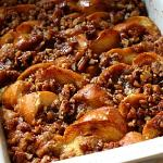 Baked French Toast with Hazelnut Praline Topping