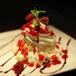 Raspberry meringue