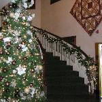 Christmas at Carlisle Inn- Walnut Creek - main staircase
