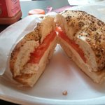 bagel with creamcheese and tomato