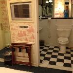 TV/bathroom