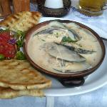 Mussels in sauce and toasted pitta bread (starter)