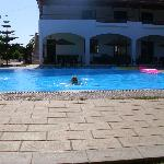 Vallian hotel pool