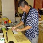 Sushi wird frisch zubereitet