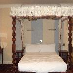 the four poster bed....