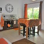 Le Cottage : cuisine& salon