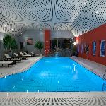 Schwimmbad (48243059)