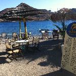 La spiaggetta privata dove è possibile fare la colazione o consumare un buon cocktail