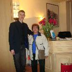 En el Hall del Hotel con Julien