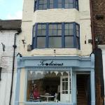 tealicious tearoom