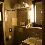 new,clean & modern bathroom