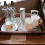 Welcome tray (yummy biscuits !)
