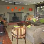 Living room / Bar area