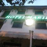 hotel marilù nel fresco ombreggiar delle piante