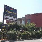 Enseigne de l'hôtel au 6 juillet 2012.