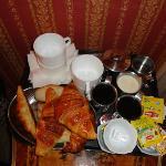 Breakfast for 4 in room
