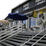 la terrasse , seul endroit de relax car pas coin salon !!!