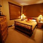 Stonebridge Lodge - Executive Unit - Master Bedroom