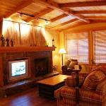 Copper Kettle Lodge - Premium Unit - Lounge