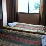 habitación amplia y limpia