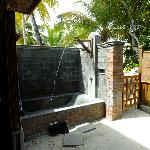 The outside pool/bath in deluxe rooms