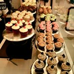 Cakewalk's cupcakes display