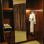 Deluxe Suite:the safe look quite unsafe, the robe is so winkled and the robe is like maggie mee