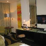 Good-sized desk in the room