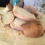 Il pane ed il carasau fatti con latte di capre..