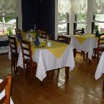 Brewster House breakfast room