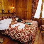 """Rouge Gorge"" room"
