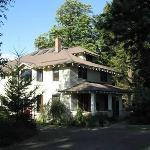 Front view of The Old Parkdale Inn