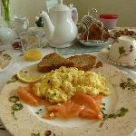 Hot breakfast (smoked salmon and egg)
