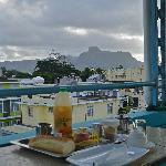 Le petit-déjeuner sur la terrasse...