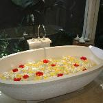 Pool Villa Bathtub
