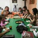 Compartiendo la mesa con amigos