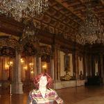 salón principal en la planta alta (2do piso) donde se realizan bailes,conferencias o presentacio