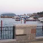 Une vue directement sur le port