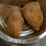 Yummy beef, lentil Samosas with apple chutney (to GO!)