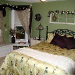 Livi's Garden Room