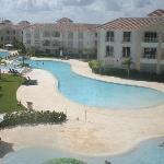 Maravillosa piscina y cuidada infraestructura