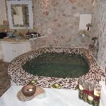 Jacuzzi in junor suite