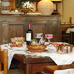Au restaurant, cuisine traditionnelle et régionale